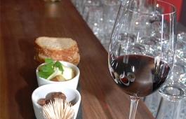 Tapas mit Rotwein, Piranha Tapas Bar, Chur